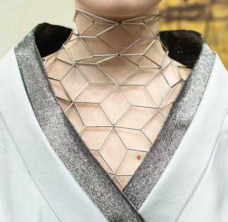 Детали платьев KERAMIN