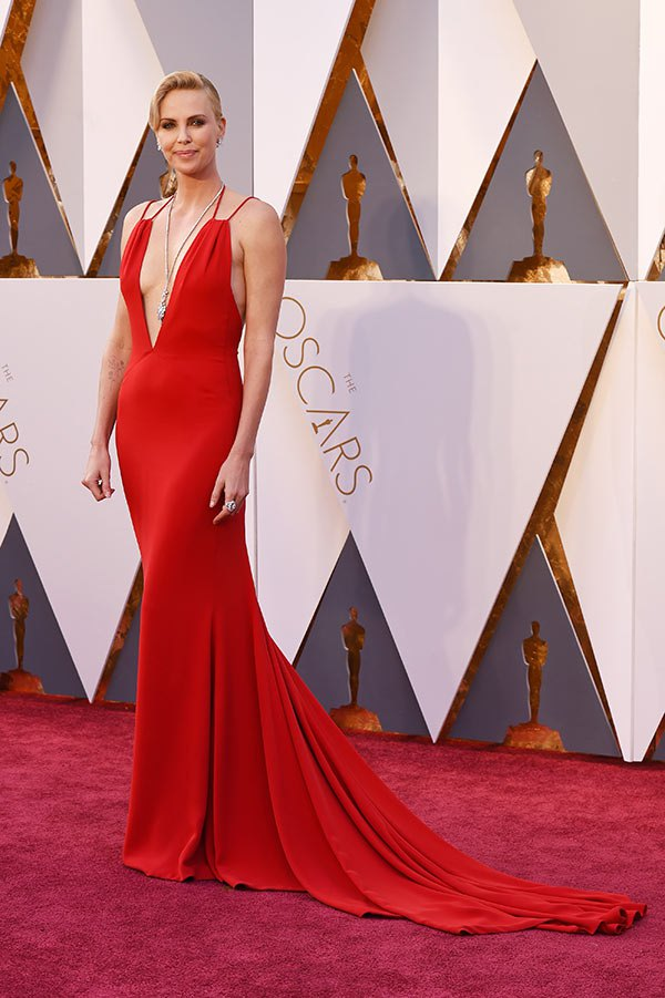 charlize-theron-oscars-best-dressed-2016