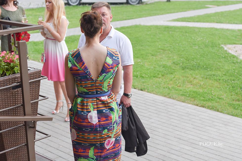 pokaz_kuraje_gosti_details_37